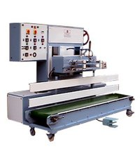 Conveyorised Heat Sealing Machine For Vertical Mounted Bags