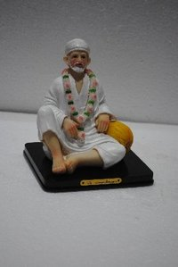 Elegant Sai Baba Sculpture