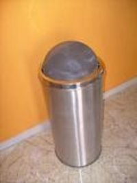 Auto Close Dustbin