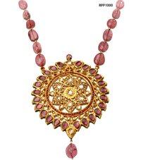 Ladies Kundan Pendant