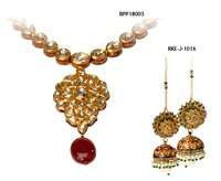 Ladies Kundan Pendant Sets