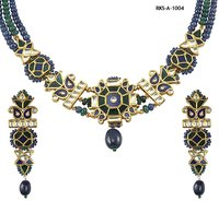 Womens Kundan Necklace Set