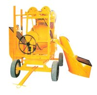 Concrete Mixture Machine With Hopper And Lift