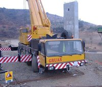 Heavy Duty Telescopic Cranes On Rent
