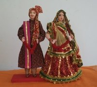 Gujarati Couple Sculptures