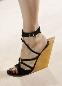 Lotoyo Totem Suede Sculpted-Wedge Sandals