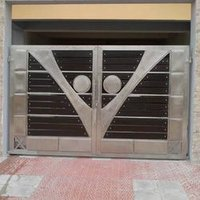 V Design Stainless Steel Gate