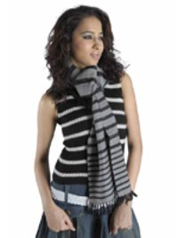 Ladies Woollen Yarn Muffler