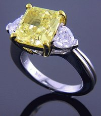 Golden Radiance Diamond Ring