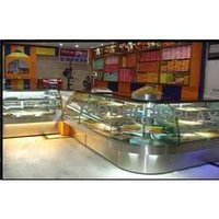 Bent Glass For Sweet Counter