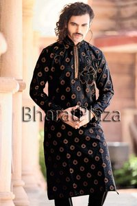 Unique Look Engagement Kurta Pyjama