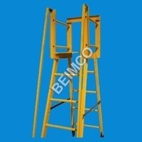 Self Supported Platform Ladder With Handrail