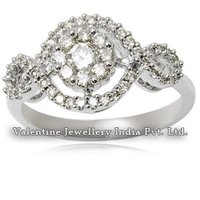 Stylish Trendy Women Diamond 18K White Gold Ring