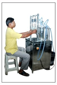 Bottle Filling Machine (Vacuum Type)