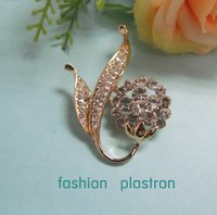 Fashion Gold White Crystal Flower Jewelry Brooch