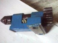 Polygraph Hook Holder