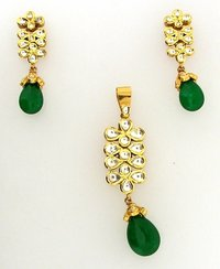 Gold Pendant With Earrings