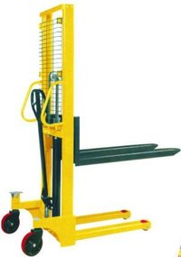XP HYDRAULIC HAND STACKER