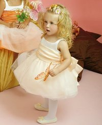 Customize Sleeveless Tulles Flower Girl'S Dress