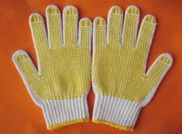 Criss-Cross Seamless Knitted Gloves With Poly-Acrylic