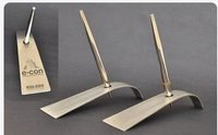 Savvy Metal Pen Stands