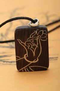 Popular Fashionable Wood Pendant Necklace