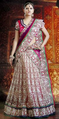 Phenomenal Jari Work Bridal Lehenga