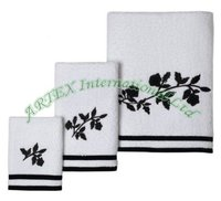 3pcs Towel Set With Embroidery And Yarn Dyed Border