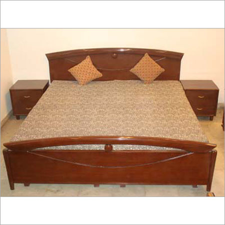 Wooden bed in punchkuian road new delhi neelam for Double bed with box design