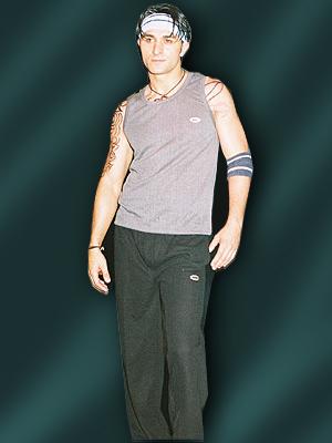 Mens Athletic Wear in  Midc-Andheri (E)