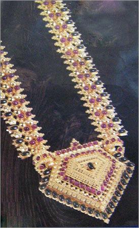 Designer Gold Necklace in  Nagrath Pet