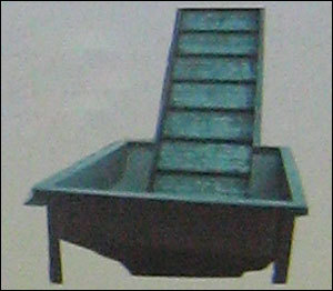 SLAT CONVEYOR CHARGE END HOPPER