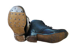 Safety Shoes with HOB nails and Leather Sole