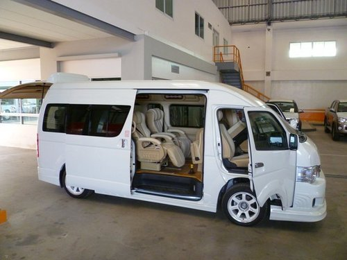 high roof 15 passenger seats hiace commuter bus in no 12 masjid tanah johor bahru toyota. Black Bedroom Furniture Sets. Home Design Ideas