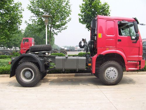 Sinotruk Howo All-Wheel Drive Tractor (4x4, 6x6)