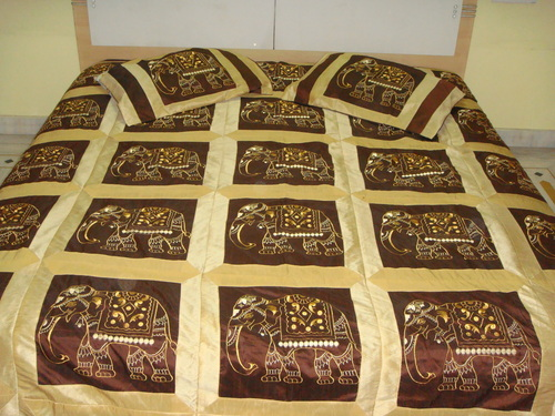 Polysilk Bed Sheets in  Mahaveer Nagar