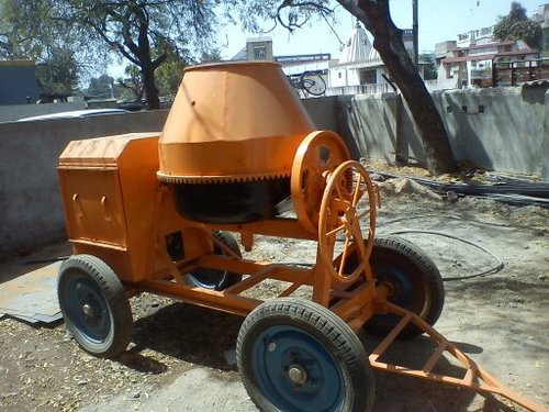 Concrete Mixer Machine in  Saraspur