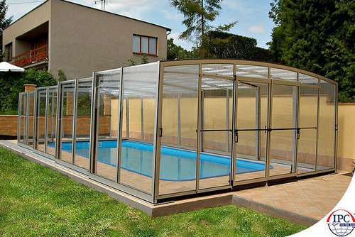 Swimming pool retractable roof cover in hrbr layout for Plexiglass pool enclosure