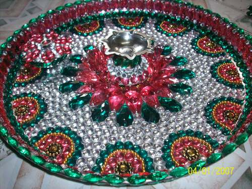 Decorative pooja thali in orlem malad w mumbai utsav for Aarti thali decoration ideas for competition