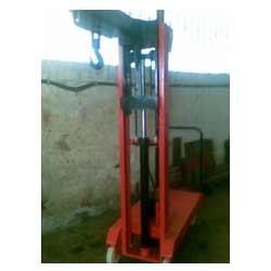 Lift Stackers in  Dahisar (E)