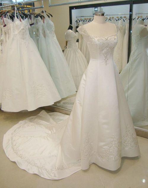 Wedding dress in panyu district guangzhou exporter and for Guangzhou wedding dress market