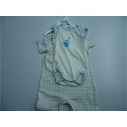 Infant Hooded T-Shirt in  Sheriff Devji St.-Chakla St.-Masjid Bunder (W)