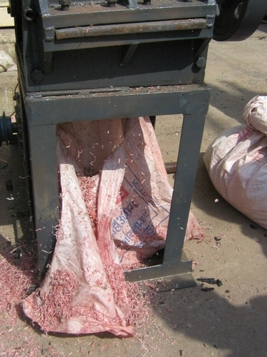 Waste Sizing & Grinding Equipments in  Dharampeth