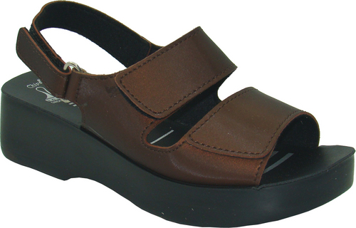 Mens Ladies Sandal in  Sachin