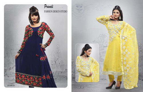 Pranali Fashion Design Studio Surat Gujarat