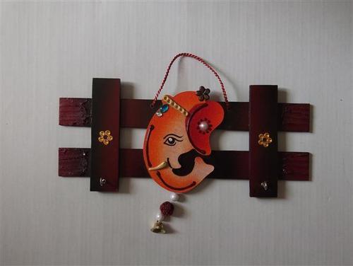 Handicraft Wooden Key Stand