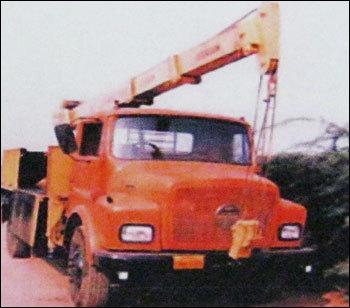 Heavy Duty Truck Mounted Crane