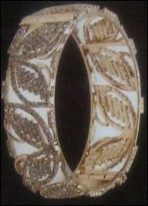 Designed Gold Bangles in  Bhuleshwar