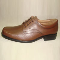Men Formal Brown Shoe in  95-A Old Vijay Nagar Colony