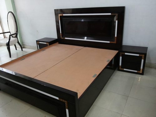 Designer double bed in timber market kirti nagar new delhi shri balaji timber traders - Designs of double bed ...
